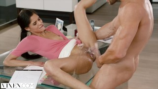 Vixen bad to intern her punished by boss be begs blowjob riding