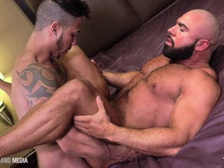 Furry Muscle Bear Gets a Deep Latin Breeding