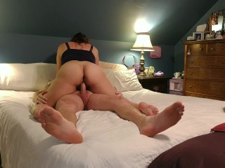 Milf with sexy ass hops on my dick..milks me in less than 3 minutes