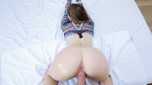 Booty huge porn - Teencurves - small white girl with phat ass booty gets fucked
