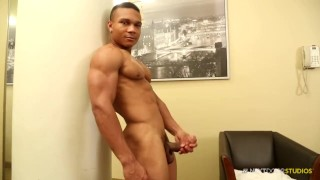 NextDoorEbony Bodybuilder Flex Jerks of his BBC