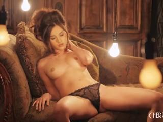 Shyla Jennings Masturbates After Stripping Everything Off