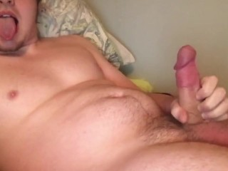 Solo Male Cam Model Edges and Cums