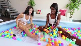 对YouTube来说太热了!  SinsTV删除了Vlog,Johnny和Kissa Sins,Ana Foxxx
