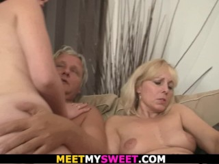 Guy finds her in family threesome orgy