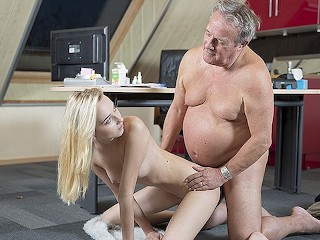 Water Play Bdsm Fucking, Young Old porn MarthA gives grandpa a blowjob and has sex with his old
