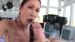 BANGBROS - Tiffany Mynx Tem o cu arrombado e ela ama dar o cu