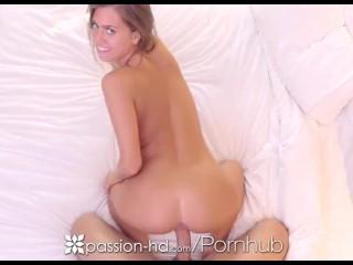 PASSION-HD Hotel ochtendontbijt en neuk met brunette Jill Kassidy