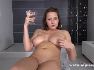 Wetandpissy – Sexy girl peeing and toying her soaking wet pussy