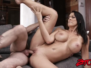 Busty MILF Raegan Foxx rides cock before taking a creaming