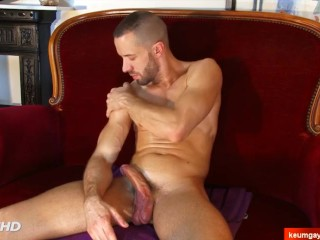 paul's cock massage ! (My neighbour seduced for gay porn)