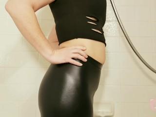 Shiny Leggings Shower Hose Chug