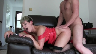 SLUT HOUSEWIFE FUCKS AND SUCKS LIKE A WHORE XXX