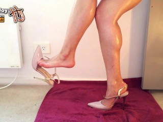 HandJoy * Goddess Hira dangling her high heels