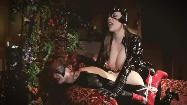 Superheroines sex Kendra james anastasia pierce: batwoman vs catwoman superheroines