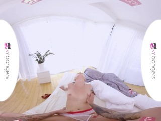 VR PORN – Hot Nurse Treats Patient's Dick with Her Mouth and Wet Pussy