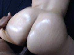 Perfect POV of big booty bouncing!