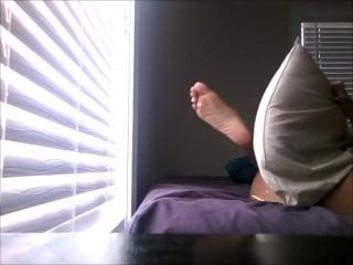 pillow masturbation while watching porn