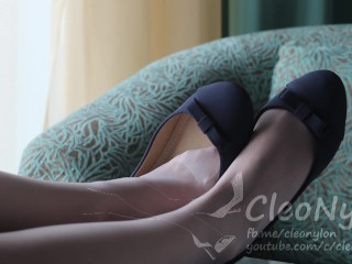#66 shoeplay with blue flats