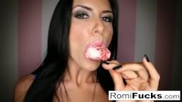 Romi Rain Sexy Diversion Con Ella Misma
