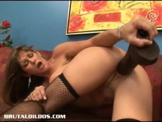 Adult pussy razorblade cut video