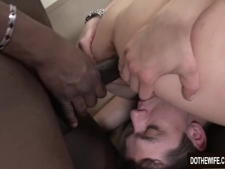 Cuckold Watches Black Guy Ass Fuck His White Wife Up Close