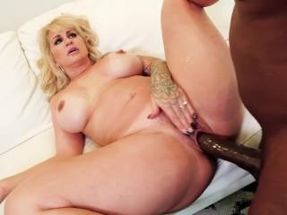 Teen squirting in panties