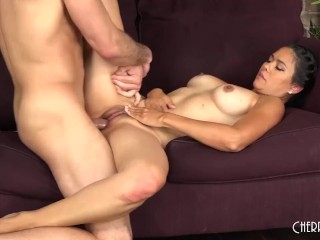 This MILF Babe Loves Taking The Cock Hard LIVE