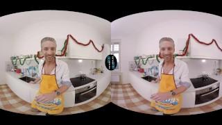VirtualRealGay.com - Merry XXXmas Deepthroat dancing