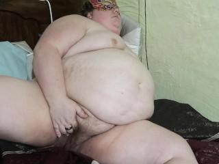 Fat BBW Amateur Masturbates Hairy Pussy