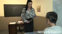 Terug naar school - Strikte leerkracht Sarah Kelly