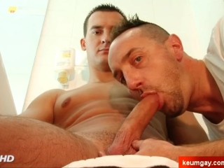 Paul innocent delivery guy gets sucked his cock by a guy