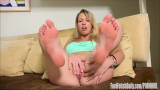 Zoey Monroe Foot Fetish Masturbation