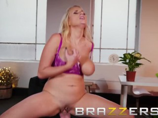 Brazzers - Angel Wicky knows how to start it up