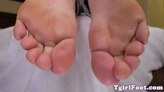 Curls amateur her pedicured tranny toes tranny fetish