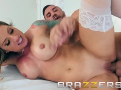 Brazzers - Teagan Presley gives a footjob and gets pounded