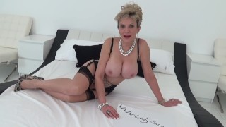 UK MILF want's cum inside her pussy Handsfree dildo