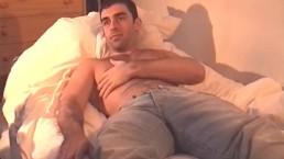 Esteban hansome male in a porn in spite of him !