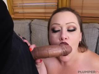 Pregnant BBW Bunny De la Cruz Gets Fucked by Latin Cock