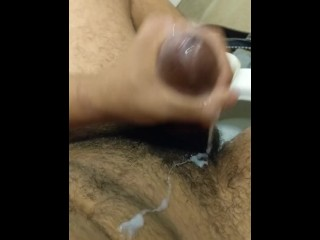 Risky quickie in public bathroom