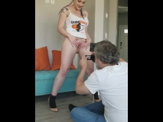 Leya Falcon Gets Nude
