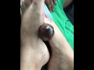 Indiangyal car footjob part 2