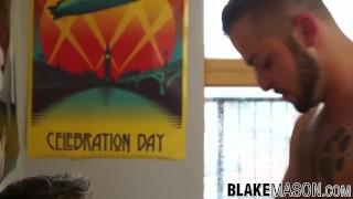 Kayden Gray and Koby Lewis ass fucking until a big facial