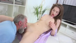 Old n Young.com Roxy C Doctor licks cutie until she is cured
