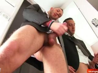 seks lesbijski w spodniach do jogi