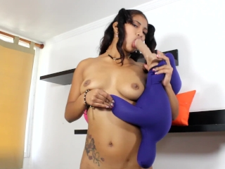 HOT HOT ROSE LIVEJASMIN SUCKING AND GAGGING, FUCKING AND RIDING DILDO