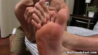 Bearded his off getting feet licked while aceera wanks hunk shot hairy