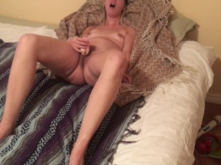 My girlfriend tries sonic clit massager first time - amazing real orgasm