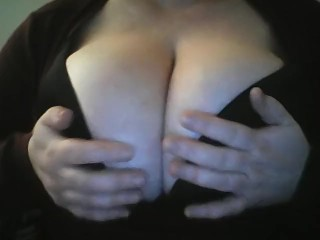 BIgTIts4BigCock Plays with Huge Natural Tits