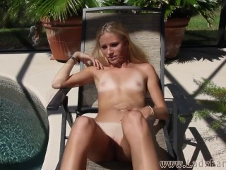 Kelly Teal farting sun bathing